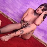 amateur Italian tattooed girl with long legs and sexy feet - video poster